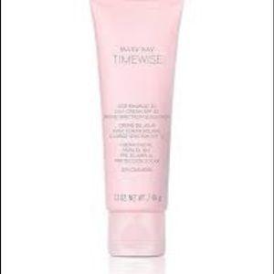 TimeWise® Age Minimize 3D® Day Cream SPF 30 Bro